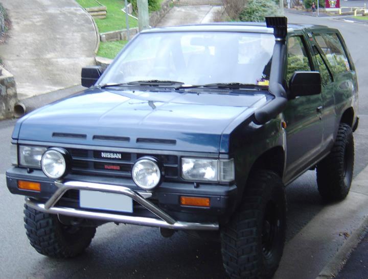 Nissan D21 Navara    Terrano    Pathfinder  1990